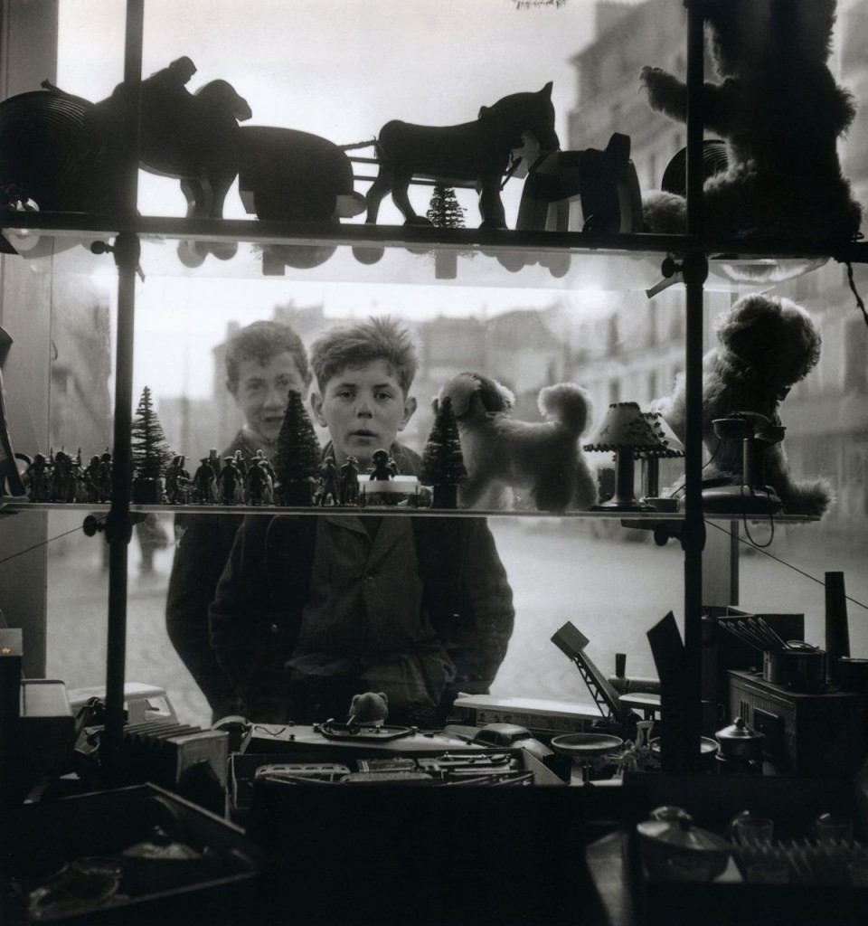 Robert Doisneau, Shop Window, 1947. From Paris